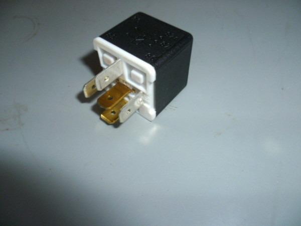24 Volt Relay, 5 Pin Hella 4rd003520