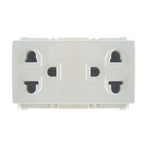 Universal Outlet With Ground Duplex Receptacle