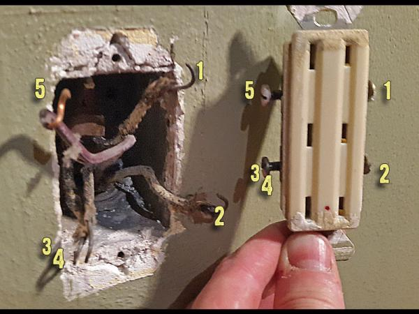 Photos Of Old Outlet  What Am I Dealing With