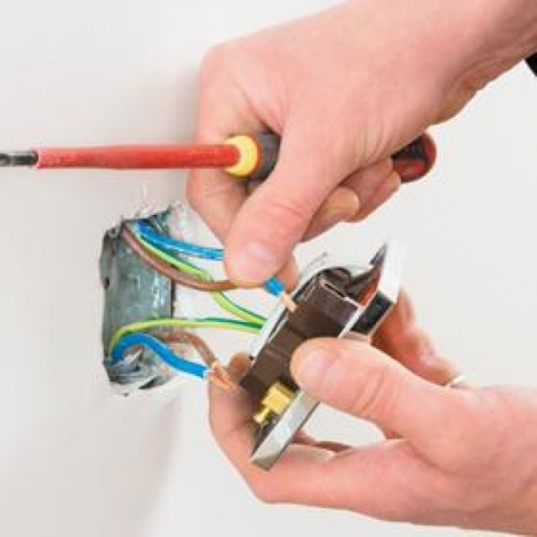 Switch Socket Outlet Wiring Service In Kl & Klang Valley