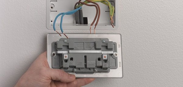 Wiring A Socket