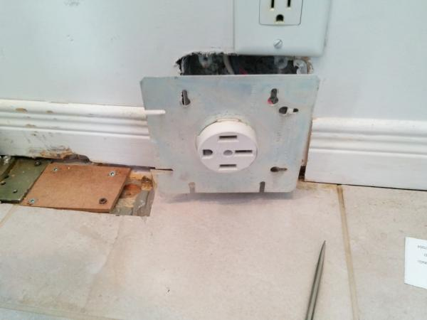 How To Legally (in Canada) Add 240v Power Outlet From 240v Stove