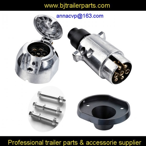 7 Pin Trailer Connector Metal Round Trailer Socket Plug  Boat